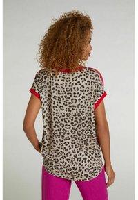 Oui - Print T-shirt - red stone - 2