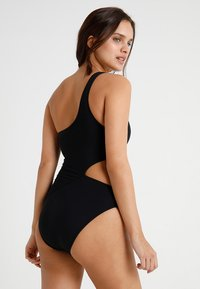 Seafolly - ACTIVE ONE SHOULDER MAILLOT - Swimsuit - black - 2