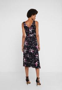 DKNY - HANDKERCHIEF DRESS - Jersey dress - black/berry - 2