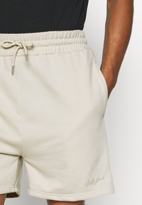 Sixth June - SIGNATURE LOGO SHORT - Shorts - beige - 3