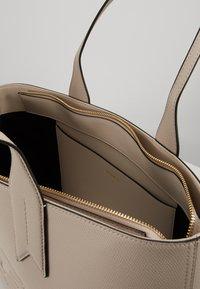Emporio Armani - FRIDA ZIP EAGLE - Handbag - taupe - 5