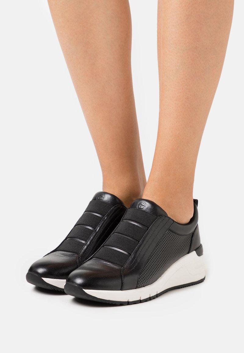Tamaris - SLIP-ON - Sneakers laag - black