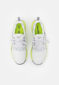 Reebok - FLASHFILM TRAIN 2.0 UNISEX - Sports shoes - cold grey/acid yellow - 3