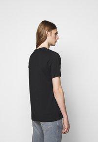 HUGO - DERO - Jednoduché triko - black - 2