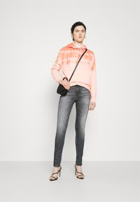 Tommy Jeans - NORA ANKLE - Jeans Skinny Fit - midnight grey - 1