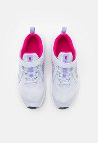 Nike Performance - DOWNSHIFTER 10 UNISEX - Neutrální běžecké boty - football grey/purple pulse/thunder blue/white - 3