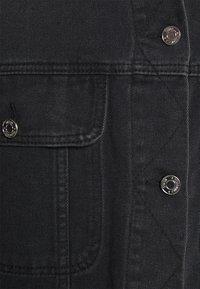 Missguided - PLEAT BACK OVERSIZED 80S JACKET - Denim jacket - black - 4
