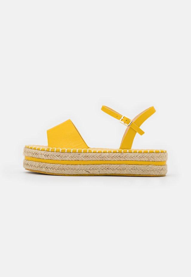 MONROE - Sandalen met plateauzool - yellow