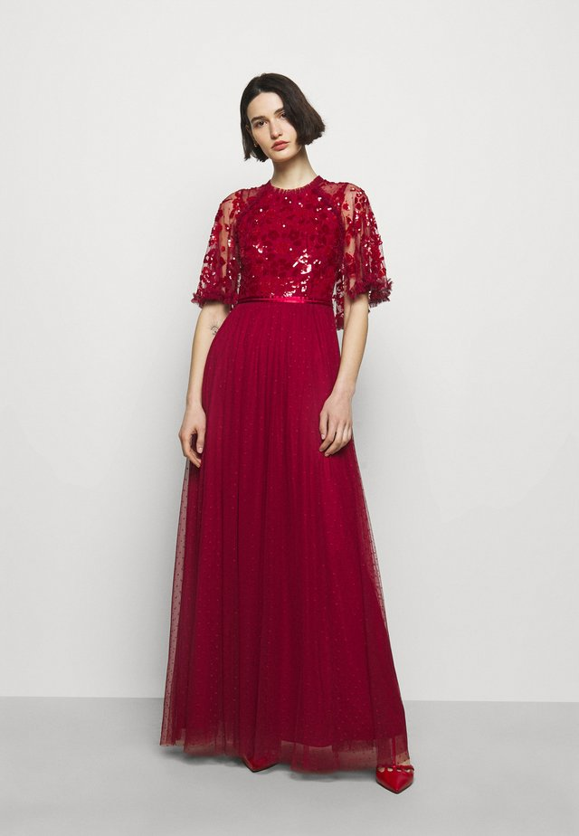 SEQUIN RIBBON BODICE MAXI DRESS - Galajurk - deep red
