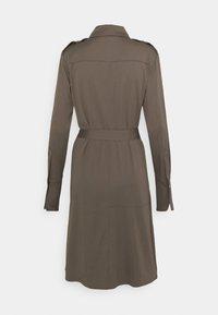 Mos Mosh - RORY LIPA DRESS - Sukienka koszulowa - chocolate chip - 1