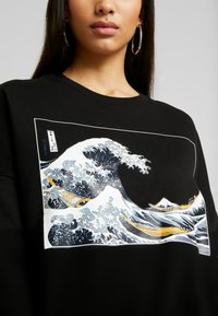 Even&Odd - Printed Crew Neck Sweatshirt - Sweatshirt - black - 4