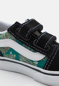 Vans - OLD SKOOL  - Sneakers basse - black/alpine green - 5