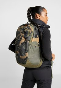The North Face - RODEY - Rucksack - burnt olive - 7