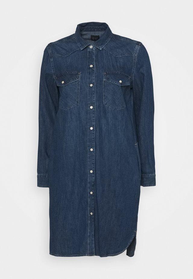 WESTERN SHIRTDRESS MED OGDEN - Sukienka jeansowa - medium indigo