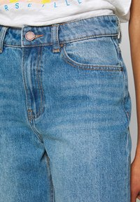 Lost Ink - VINTAGE MOM AUTHENTIC - Relaxed fit jeans - mid denim - 4