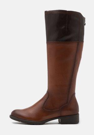 BOOTS - Vysoká obuv - brandy/mocca