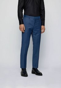 BOSS - Suit - open blue - 4