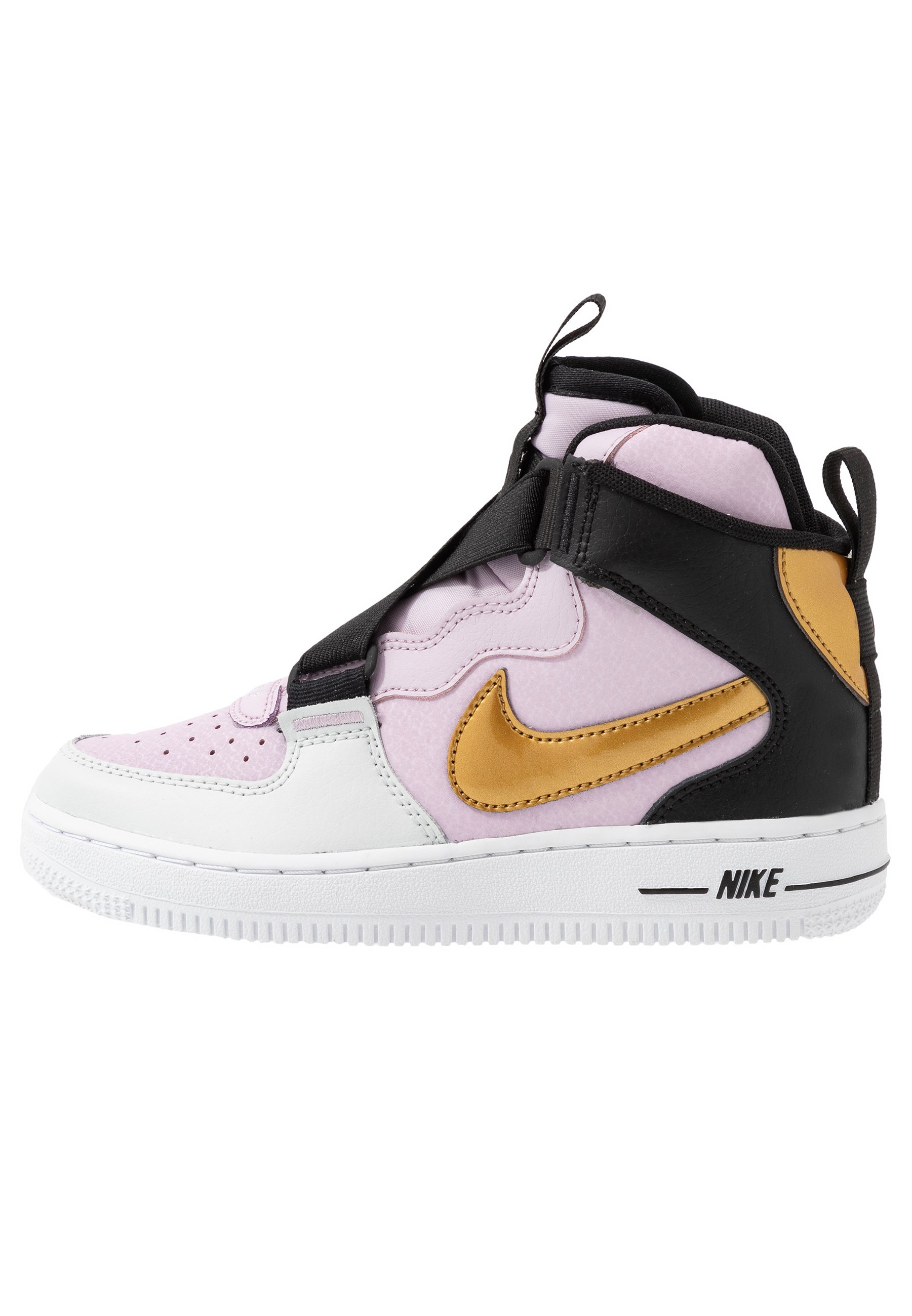 nike enfant chaussure montante