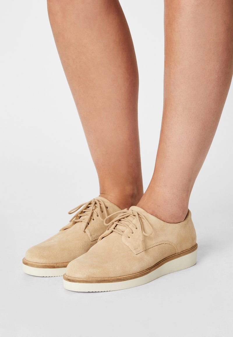 Clarks - BAILLE STITCH - Lace-ups - taupe