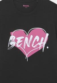 Bench - 3 PACK - Camiseta estampada - white/black/pink - 3