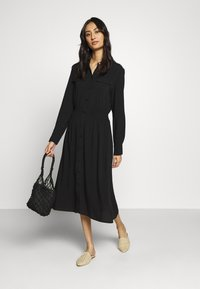 Moss Copenhagen - CADDY BEACH DRESS - Skjortekjole - black - 1