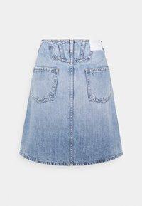 CLOSED - IBBIE - Gonna di jeans - mid blue - 6
