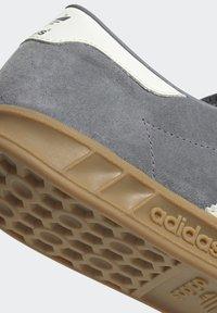adidas Originals - HAMBURG TERRACE - Trainers - grey core black gum - 11