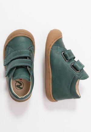 COCOON - Zapatos de bebé - grün