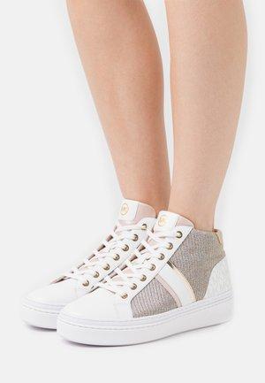 CHAPMAN MID - Zapatillas altas - white/rainbow