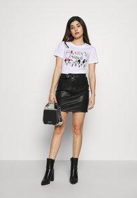 ONLY Petite - ONLDISNEY MIX - Camiseta estampada - white - 1
