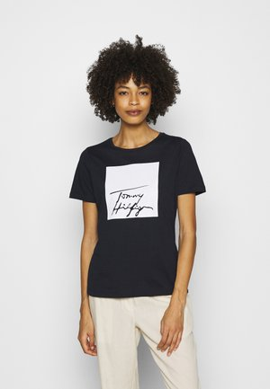ALISSA REGULAR TEE - Camiseta estampada - desert sky/white