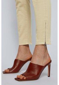 BOSS - Jeans Skinny Fit - beige - 3