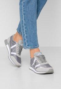 Lacoste - PARTNER  - Sneaker low - grey/white - 0