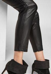 s.Oliver BLACK LABEL - Leggings - Trousers - black - 6