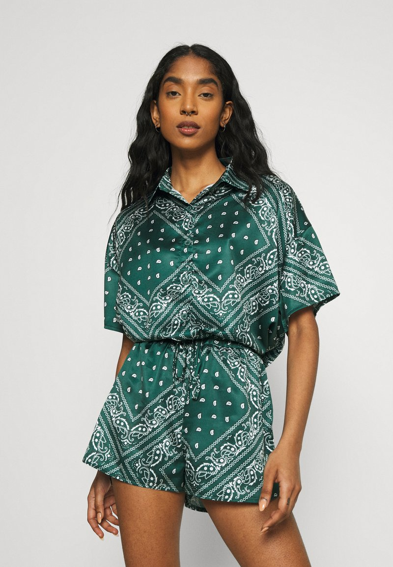 Missguided - PAISLEY OVERSIZED SHORT SLEEVE  - Skjortebluser - green