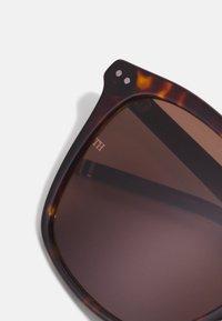 Tommy Hilfiger - UNISEX - Sluneční brýle - brown - 4