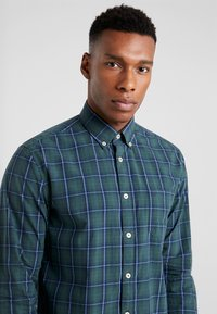 Marc O'Polo - BUITTON DOWN ONE POCKET STITCHED GENUINE PLACKET REGULAR FIT - Shirt - combo - 4