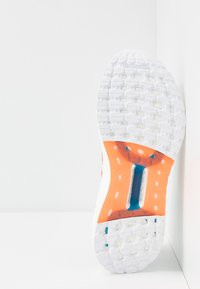 adidas Performance - ULTRABOOST 20 PRIMEBLUE  - Chaussures de running neutres - grey/true orange/blue spirit - 4