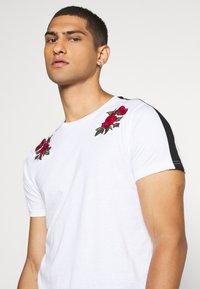 Brave Soul - LANTANA - Print T-shirt - optic white - 3