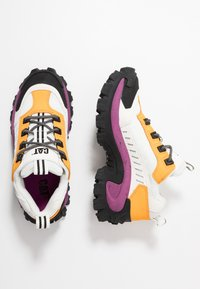 Cat Footwear - INTRUDER - Zapatillas - star white - 1