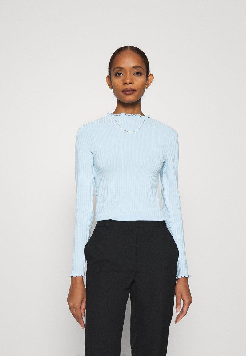 Mads Nørgaard - TRUTTE - Long sleeved top - light blue