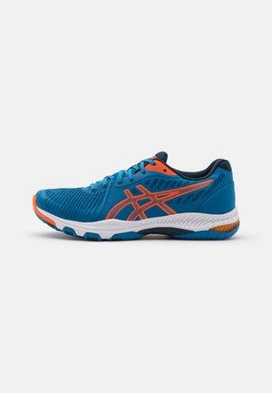 NETBURNER BALLISTIC - Chaussures de volley - reborn blue/marigold orange