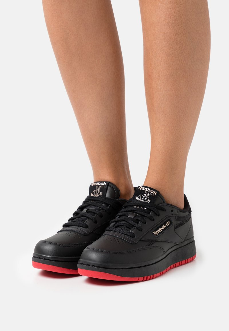 Reebok Classic - CARDI COATED CLUB C DOUBLE MID SNEAKER - Trainers - core black/dynamic red/rose gold
