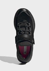 adidas by Stella McCartney - BOOST MACCARTNEY RAN.RDY RUNNING REGULAR SHOES - Zapatillas de trail running - black - 1