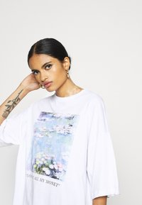 Even&Odd - T-shirt z nadrukiem - white