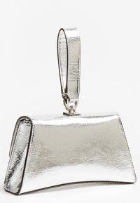 Guess - Handbag - silber - 2
