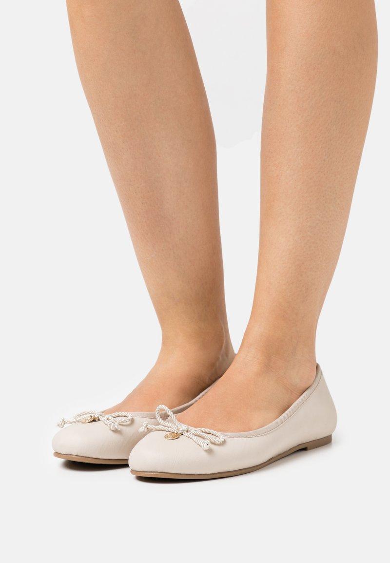 s.Oliver - Ballet pumps - ecru