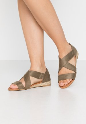 REAM CROSS OVER - Espadrilles - khaki