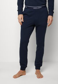 Jack & Jones - JACLOUNGE SET - Pyjamas - navy blazer - 1