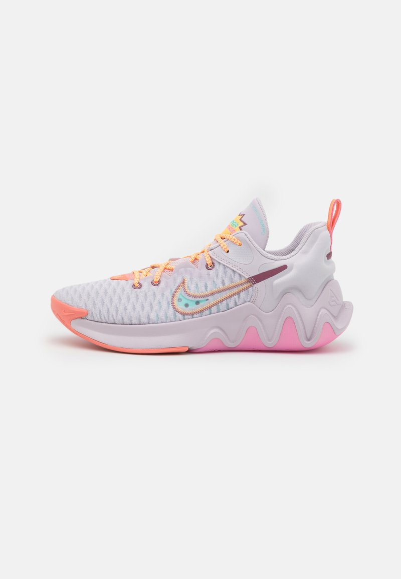 Nike Performance - GIANNIS IMMORTALITY FORCE FIELD - Basketball shoes - venice/light mulberry/crimson bliss